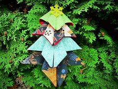 132_Origami Christmas Tree 1 (PiecedByPeace) Tags: christmas modern germany deutschland origami colorful handmade christmastree fabric christmasdecoration colourful patchwork fabricart christmastreedecoration fabricdecoration origamidecoration origamifabric quiltingindeutschland origamifabricdecoration piecedbypeace quiltsingermany quilteringermany