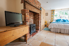 TV and electric woodburner (East Ruston Cottages) Tags: beach walking norfolk beaches birdwatching dogfriendlyholidays tender the dogfriendly walkingholiday dogswelcome weaversway thetender holidaywithdogs dogfriendlyholidaycottage eastrustoncottages wwweastrustoncottagescouk