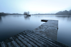 The Jetty at Petersfield Lake Hampshire (Simon Verrall) Tags: lake dawn pier jetty hampshire boatinglake petersfield heathpond