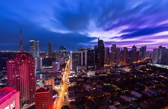 2014's last sunset - Manila, Philippines (Maria_Globetrotter) Tags: blue sunset red holiday cars beautiful azul architecture night sunrise canon buildings wow la photo moving office asia view traffic cloudy pov good district famous philippines central over perspective pic aerial business le 600 hour hora tropical salida 650 cbd southeast makati 700 puesta incredible overhead filipinas attraction heure overview pilipinas bleue solnedgng bl 2014 larawan blaue philippino 2015 filippinerna araw stunde filippine timmen magandang 1585 img0674 3ti paglubog  cityporn mariaglobetrotter