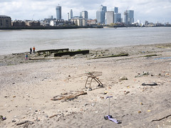 Foreshore (P_L_Wood) Tags: london beach thames river sand greenwich estuary shoppingtrolley docklands canarywharf riverthames thameside se10