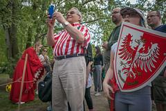 (julia zabrodzka) Tags: street red people streetphotography poland polska ludzie czerwony orze czerwie patriotyzm piknikrycerski