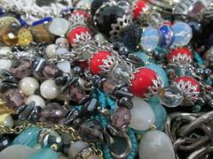 IMG_0438  Caos debijuterias (gloriafflima) Tags: bijuterias