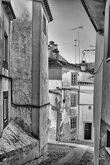 PORTUGAL - Castelo de Vide - R. de Santa Maria de Cima (Infinita Highway!) Tags: city cidade portugal arquitetura architecture de arquitectura highway europa europe sony ciudad castelo alpha citt vide infinita castelodevide