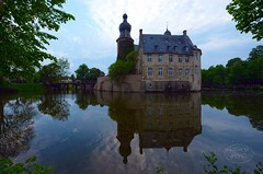 Castle of Gemen in may (MaiGoede) Tags: germany landscape deutschland spring nikon eastside landschaft spiegelung nordrheinwestfalen springtime frhling gemen frhlingsabend frhlingsimpressionen burggemen schlossgemen borkengemen wasserschlossgemen castleofgemen
