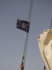 Piratenflagge der Leaozinho (esseffdeearr) Tags: portugal algarve olhos dagua riu guarana praia da falesia albufeira portimao vacation