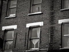 Old windows, Fulham (sixthland) Tags: blackandwhite fulham rx100m2 window