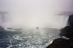 Maid of the Mists at the Horseshoe falls (S Curling) Tags: waterfall niagra