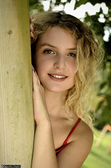 samantha_DSC1080modfirma (manuele_pagani) Tags: curly hair blond teen primo piano italian girl outdoor eyes