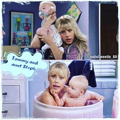 #jodiesweetin #auntsteph #stephanietanner ##tommyfuller #fullerhouse #fullerhousenetflix @jodiesweetin @messitttwins  (Jodie Sweetin Brasil) Tags: instagramapp square squareformat iphoneography uploaded:by=instagram clarendon jodie sweetin fuller house trs  demais stephanie tanner full