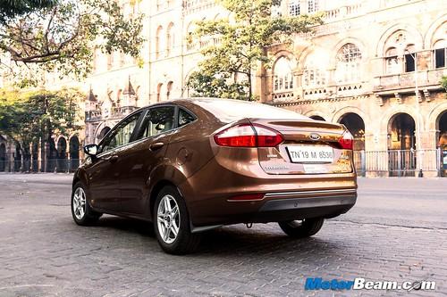 2015-Ford-Fiesta-Long-Term-10