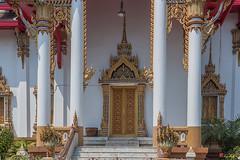 Wat Dokmai Phra Ubosot Entrance (DTHB1775)    (Gerry Gantt Photography) Tags: thailand temple bangkok wat   yannawa totallythailand thailand bangphongphang bangkok bangphongphangyannawa watdokmai   bangphongphangyannawa