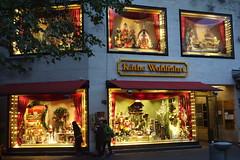 Berlin_West (Alf Igel) Tags: berlin germany schöneberg deutschland kurfürstendamm kdw käthewohlfahrt