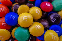 M&M&M&M&M&M&M&M (Walimai.photo) Tags: blue red color colour macro verde green yellow azul lumix rojo panasonic explore amarillo homemade round mm redondo casera lx5