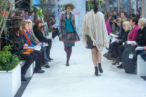 SONIA REYNOLDS PRESENTS HER SELECTION OF THE BEST OF IRISH FASHION- REF-101370