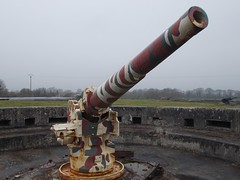 (Uno100) Tags: sea 2 france beach de concrete utah shell bunker german artillery guns ww normandy batterie 2016 kazemat marcouf crisbecq