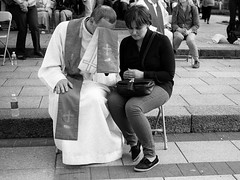 Improvised confession at a city square. Vilnius. 05.2016 (Woodent) Tags: bw film catholic religion streetphotography diafine priest 1000 vilnius confession leicam3 carlzeisssonnar5015 orwon74plus