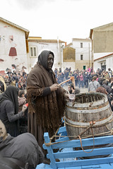Processione  - (Dei's Light) Tags: sardegna evento carro lula carnevale botte vino maschera rito paese processione folclore barbagia tradizione carrasegare ritidionisici battiledhos gattias