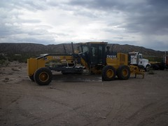 Equipment   6/24/2016  ( 4 ) (THE RANGE PRODUCTIONS) Tags: sky newmexico heavyequipment southwestus constructionequipment sierracountynm