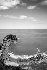 Isla Ladrona (ByN) (Julin Martn Jimeno) Tags: longexposure bw espaa costa byn blanco mar nikon negro asturias led isla islote cantabrico asturiana cantabrica castrillon ladrona d7000 largaexposiciondiurna islaladrona