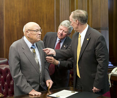 11-10-2014 Governor Bentley commends Bennie Adkins, Medal of Honor Winner