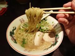 Mid-Night Wakayana Tonkotsu Ramen @Wakayama Tonkotsu Ramen, Shanghai (Phreddie) Tags: china food japanese soup restaurant shanghai bad eat ramen midnight noodle broth wakayama shoyu 141128 tonkostu