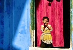 India-Bhopal (Explore) (venturidonatella) Tags: red people india streets colors portraits children nikon asia bambini persone explore ritratto gentes bhopal d300 platinumheartaward nikond300