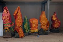 20070822_portrait_141 (Stefan Maurer / maust.ch) Tags: statue schweiz religion innen bern bau auswahl ausstellung tempel menschenrechte hinduismus