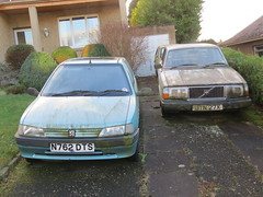 1996 Peugeot 106 Escapade Diesel and 1981 Volvo 244 DL Auto (GoldScotland71) Tags: jtn27x n762dts