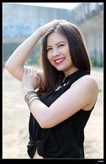 nEO_IMG_DP1U2581 (c0466art) Tags: light portrait black girl beautiful smile canon nose high ecuador blood mixed eyes natural sweet gorgeous ruin cloth charming taiwanese gyan 1dx c0466art