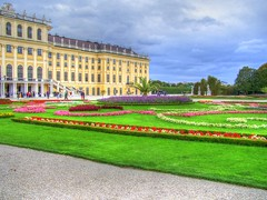 Schnbrunn Palace, Vienna (mmalinov116) Tags: schnbrunn vienna flowers building green colors architecture garden austria ngc palace