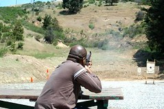 1930070_19908652245_1877_n (Jujumediazone) Tags: hunting rifles range shootings deserteagle