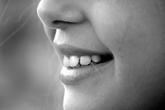 Trucos para conseguir una sonrisa ms blanca (revistaeducacionvirtual) Tags: colores boca dientes trucos maquillaje piel polvos consejos tonalidades bronceador rubor coloresfros dientesblancos cararostro coloresclidos
