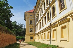 going to the palace :) (green_lover) Tags: palace slavkov czechrepublic architecture history buildings