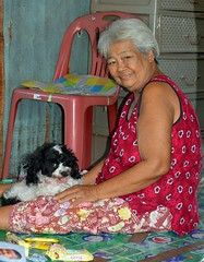 grandma and her dog (the foreign photographer - ) Tags: grandma dog white black portraits thailand living nikon sitting bangkok room lard bang bua khlong bangkhen d3200 phrao may282016nikon