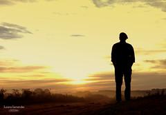 'Travessia' (Suzana Fernandes Fotografia) Tags: travessia sunrise por de sol campo poesia sombra silhueta rural rio grande do sul tupancireta