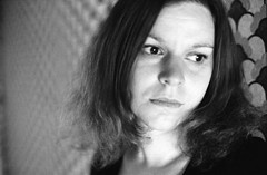 (Juliet Alpha November) Tags: agfa agfaphoto apx 400 bw film analogue analog 35mm bokeh wallpaper tapete portrait portrt face gesicht jan meifert