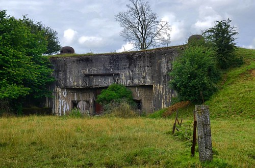 The #MaginotLine was constructed as a defense against the possibility of further German aggression after #WW1. It was a large undertaking with thousands of bunkers built along the French borders with Luxembourg, Germany, and Switzerland. While largely imp