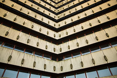 Oberpostdirektion -City Nord Hamburg (Rasande Tyskar) Tags: hamburg germany city nord citynord postdirektion postgebude oberpostdirektion planning fail demolish abriss stadt stadtplanung fehlplanung lines windows fenster beton concrete architecture 70s 70er architektur