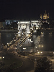 The Szchenyi Chain Bridge, Budapest (Gyrgy Soponyai) Tags: budapest duna danube hungary magyarorszg nightphoto nightfoto lnchd bridge chainbridge