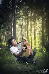 Music (Michael Pereira Pereira) Tags: canon canoneos6d 85mmf18 bokeh retrato portrait music guitar forrest ibanez light strobist primelens