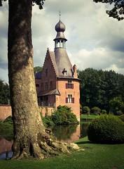 Kasteel van Ooidonk (jgyuhas) Tags: summer belgium belgië schloss château kasteel 2014 yuhas