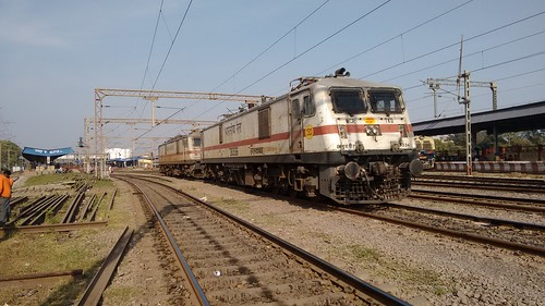 TKD WAP 7 Twins at raipur Jn