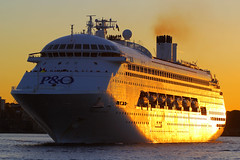 Pacific Jewel, Sydney, September 11th 2014 (Southsea_Matt) Tags: sunset ship sydney sydneyharbour liner cruiseliner pocruises pacificjewel
