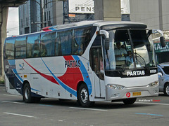 Partas 81528 (Next Base) Tags: bus tourism golden model dragon shot suspension body engine grand location 45 number santos xiamen autos chassis trans seating cruiser gd configuration marcopolo capacity facelift 2x2 balintawak partas 81528 yuchai xml6129 yc6112zlq czeon