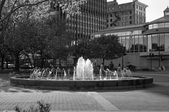 _DSC0337 Saint Paul, Minnesota USA (POV Heartland) Tags: park street city urban bw fountain minnesota zeiss evening e twincities fe saintpaul carlzeiss a7ii loxia spony sonyalpha a7m2 loxia250 loxiaf250mmloxf250