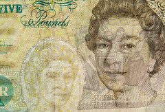 FIVER (tubblesnap) Tags: up closeup see elizabeth close bank queen note adobe british through currency lightroom fiver 5
