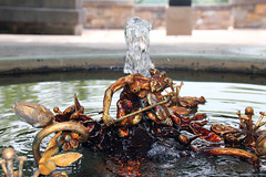 One of the many fountains at Kykuit (Canadian Pacific) Tags: park county usa newyork art america garden us estate unitedstates state outdoor arts american rockefeller westchester kykuit sleepyhollow tarrytown pocanticohills ofamerica aimg6417