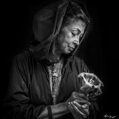 contemplation (Bruno Frerejean (Bruno Mallorca)) Tags: portrait flower blancoynegro fleur blackwhite hands noiretblanc womanbody retrato femme flor manos mains mallorca extasis