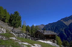 DSC03368 2048 (Dirk Buse) Tags: italien italy nature pentax takumar outdoor sony natur htte himmel berge m42 blau smc alto a7 sdtirol adige 2435 ilce7